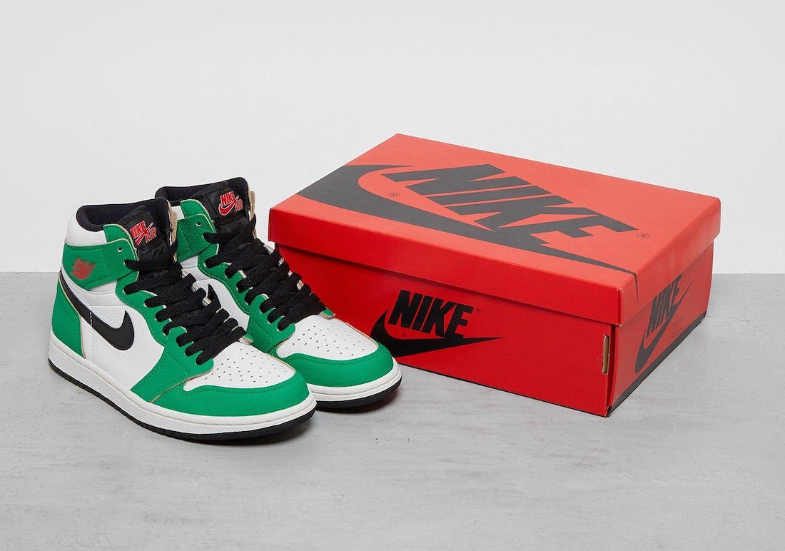 Air Jordan 1 High OG WMNS 'Lucky Green' aka 'Heineken'