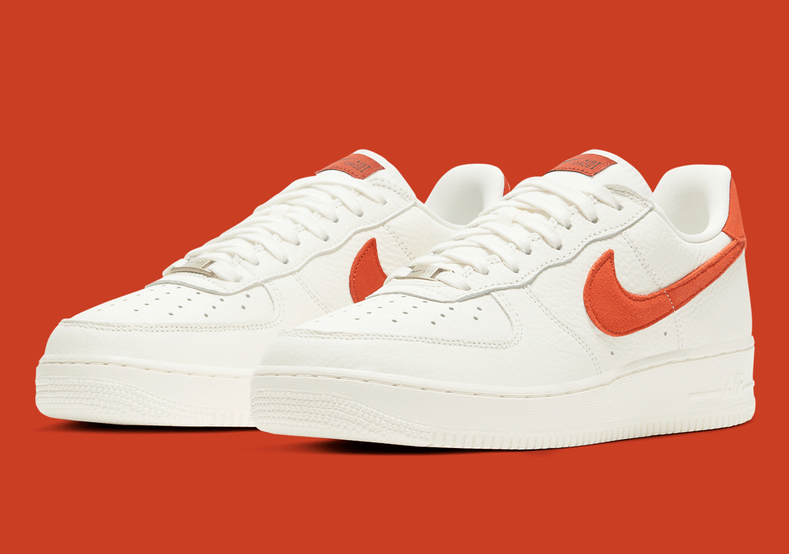 Nike Air Force 1 Low 07 Craft W Nowej Kolorystyce 'Sail/Mantra Orange'