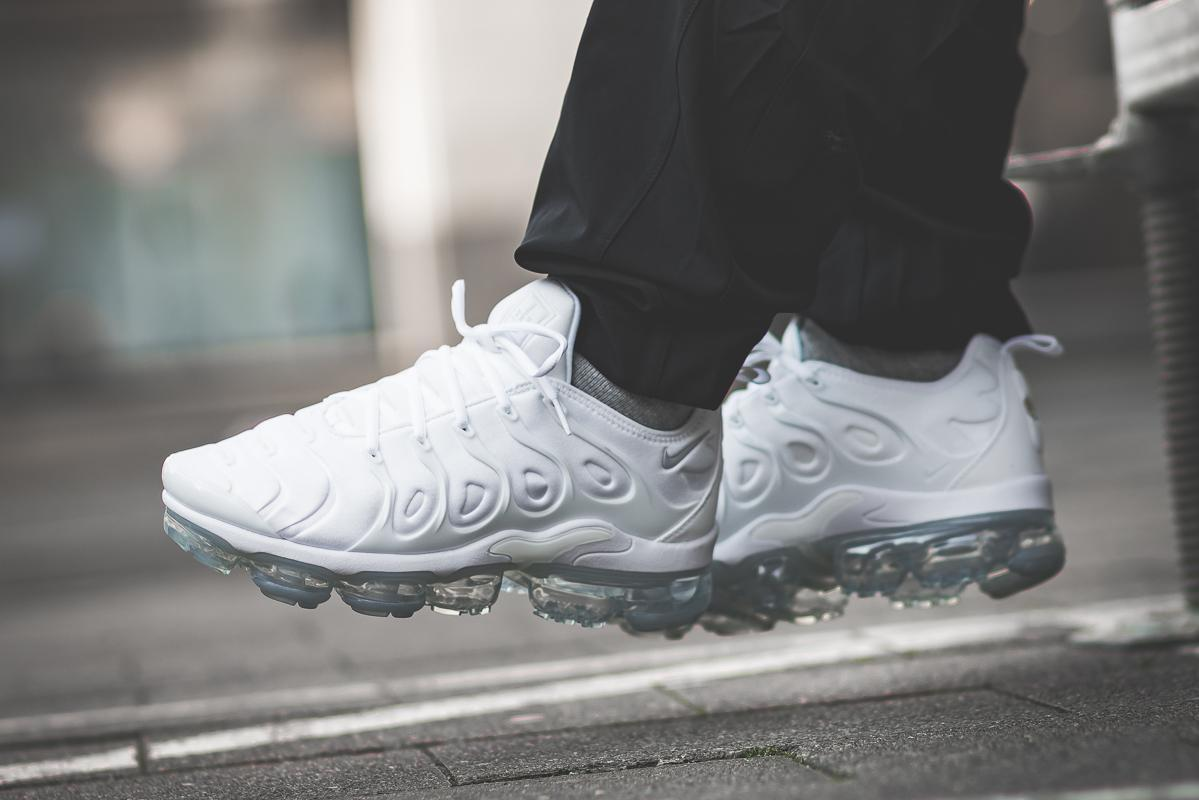 reputable site 463ef 7506c Tenisufki.eu - On Feet: Nike Air VaporMax Plus 'Triple White'