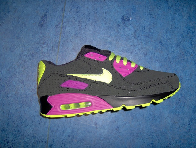 Nike Air Max 90 Foot Locker exclusive