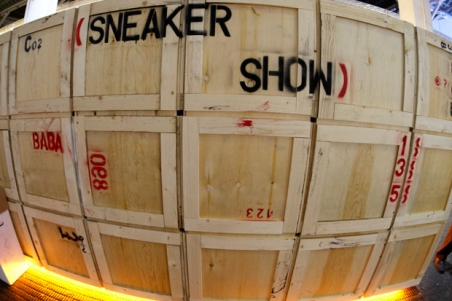 outerspace_sneaker_showcase_8.jpg