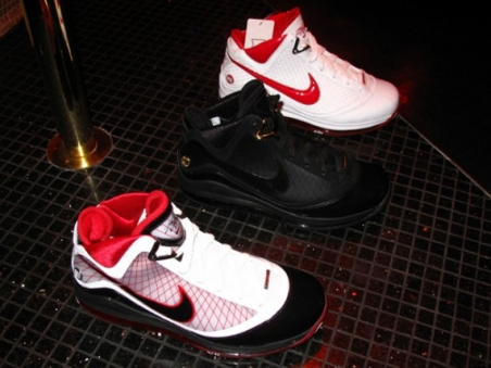 nike_2009_holiday_sneaker_preview_6.jpg