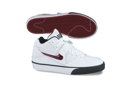 Nike Auto Force 180 Lato 2010