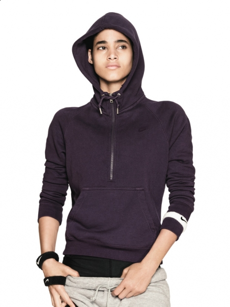 nike_sportswear_aw77_hoodie_style_photo_shoot_4.jpg