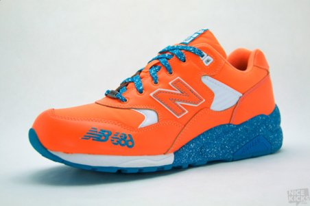 686 x New Balance MT580 Super Nova