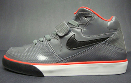 Nike Auto Force 180 - Grey/Black/Crimson