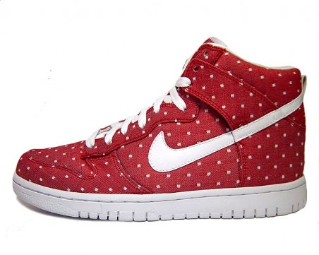 Nike Dunk High Valentine's Day