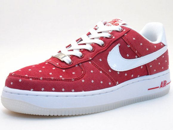 Nike WMNS Air Force 1 Saint Valentine's Day