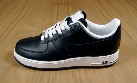 Nike Air Force 1 Low '07 - Black/Black/White
