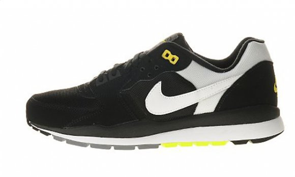Nike Wildrunner TR2 - Black/White/Clay-Vibrant Yellow