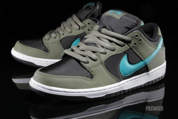 c5c30899476 Tenisufki.eu - Nike SB Dunk Low - Medium Olive/Turbo Green-Black