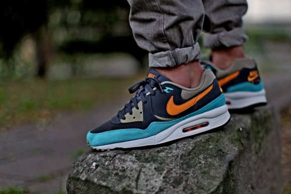 "Nike Air Max Light Essential ""Bamboo"""